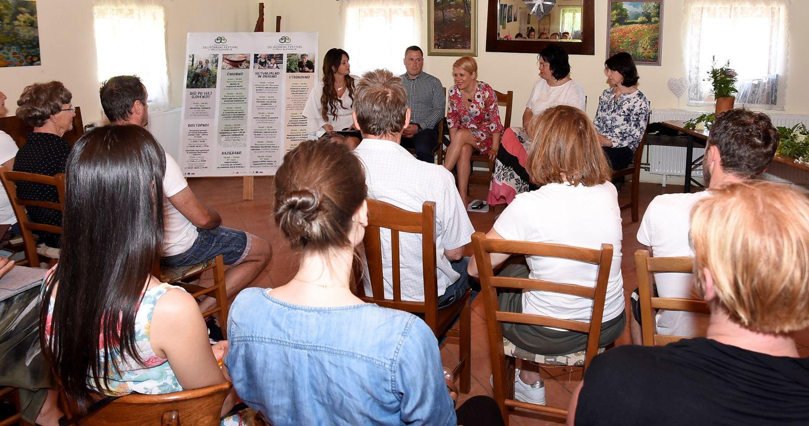 Udeleženci okrogle mize so poudarili pomen povezovanja in sodelovanja. Foto Sašo Radej